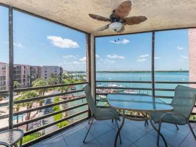 Marco Island Condo/Townhouse For Sale: 1085 Bald Eagle Dr #503