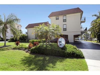 Marco Island Condo/Townhouse For Sale: 911 Huron Ct #1