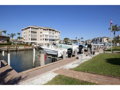 Marco Island Condo/Townhouse For Sale: 920 Collier Ct #B-1