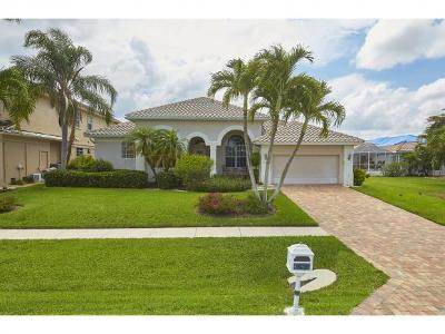 Marco Island Single Family Home For Sale: 107 Greenview St #3