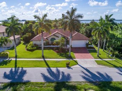 Marco Island Single Family Home For Sale: 1749 Dogwood Dr #5