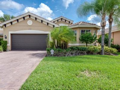 Naples Single Family Home For Sale: 6899 Del Mar Ter