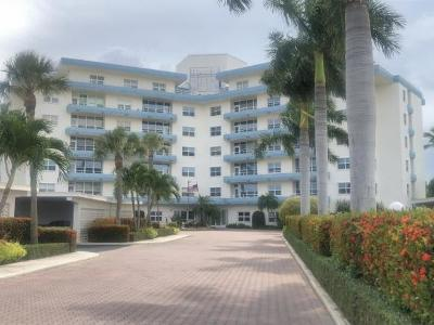 Marco Island Condo/Townhouse For Sale: 220 Seaview Ct #404