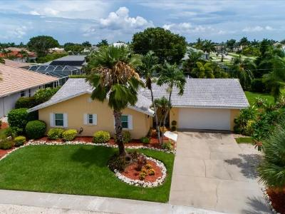 Marco Island Single Family Home For Sale: 1504 Biscayne Way #8