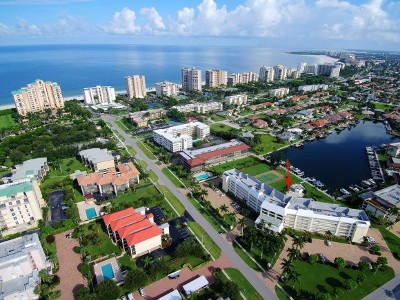 Marco Island Condo/Townhouse For Sale: 1011 Swallow Ave #107
