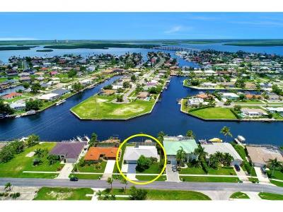 Marco Island Single Family Home For Sale: 807 Rose Ct #4