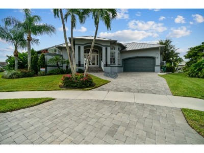 Marco Island Single Family Home For Sale: 813 Elm Ct #11