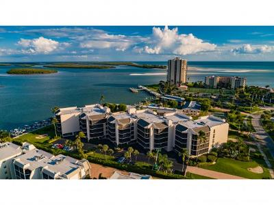 Marco Island Condo/Townhouse For Sale: 961 Collier Ct #205