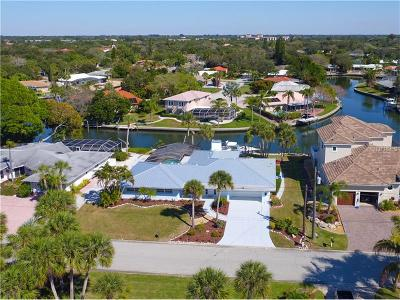 Sarasota Single Family Home For Sale: 5439 Azure Way
