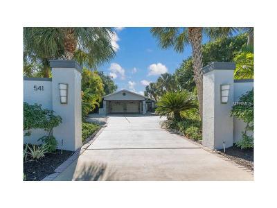 Holmes Beach Single Family Home For Sale: 541 Key Royale Drive