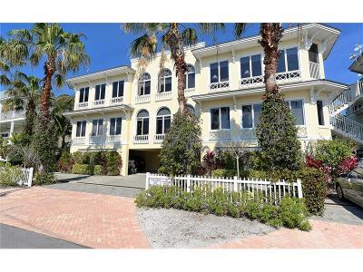 Bradenton Beach Condo For Sale: 114 4th Street S