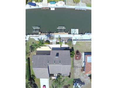 Sarasota Single Family Home For Sale: 1657 Ridgewood Lane