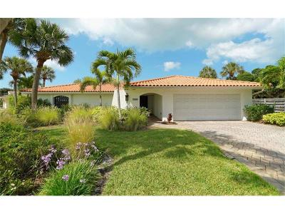 Sarasota Single Family Home For Sale: 5440 Azure Way