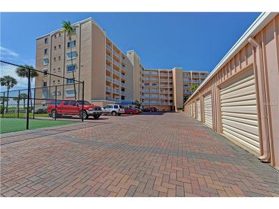 Holmes Beach Condo For Sale: 5300 Gulf Drive #101