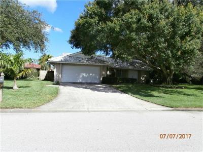 Sarasota Single Family Home For Sale: 1876 Riviera Circle