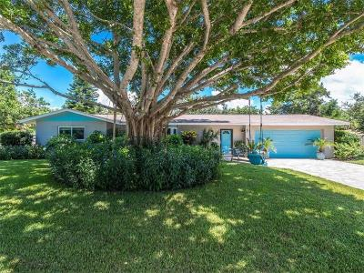 Sarasota Single Family Home For Sale: 5315 Shadow Lawn Drive