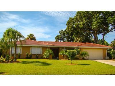 Sarasota Single Family Home For Sale: 3236 Pine Valley Drive