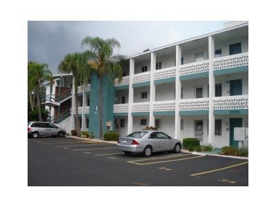 Rental Pending: 5911 17th Street W #B37