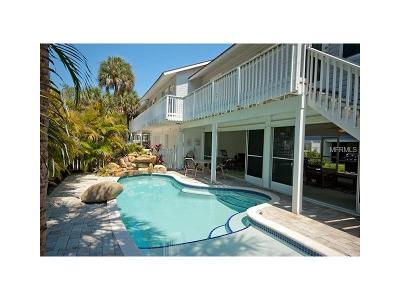 Holmes Beach Single Family Home For Sale: 131 White Avenue