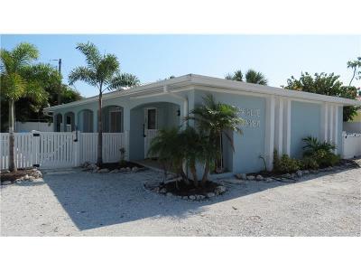 Holmes Beach Single Family Home For Sale: 6805 Gulf Drive
