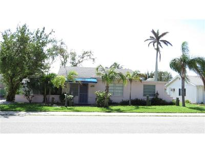 Anna Maria Single Family Home For Sale: 715 N Bay Boulevard