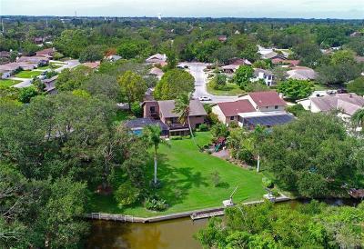Bradenton Single Family Home For Sale: 311 Hillcrest Drive