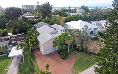 Sarasota Single Family Home For Sale: 322 Island Circle
