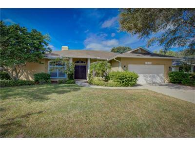 Sarasota Single Family Home For Sale: 6221 Aventura Drive
