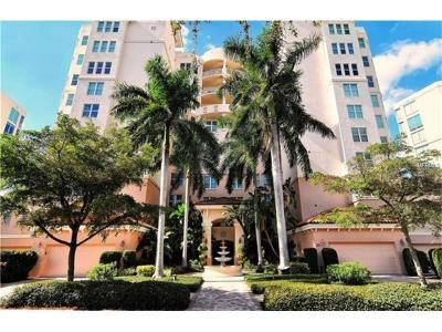 Osprey Condo For Sale: 393 N Point Road #302