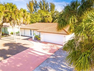 Sarasota Single Family Home For Sale: 743 Birdsong Lane