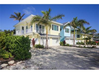 Holmes Beach Single Family Home For Sale: 306 60th Street #A
