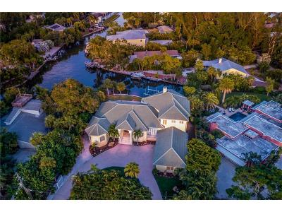 Sarasota Single Family Home For Sale: 7433 Midnight Pass Road