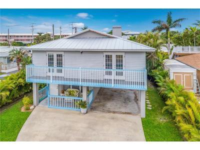 Holmes Beach Single Family Home For Sale: 2702 Avenue C