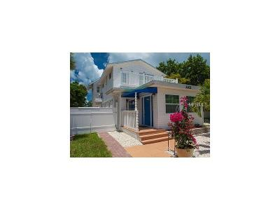 Bradenton Beach Single Family Home For Sale: 2302 Avenue B