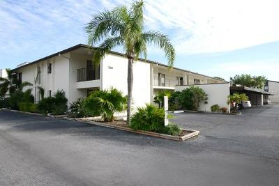 Sarasota Condo For Sale: 7201 Curtiss Avenue #2D