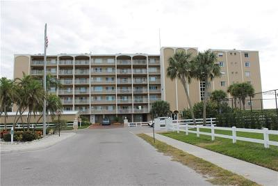 Holmes Beach Condo For Sale: 5200 Gulf Drive North #201