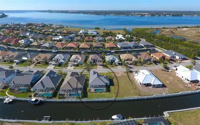 Bradenton Single Family Home For Sale: 587 Mast Drive
