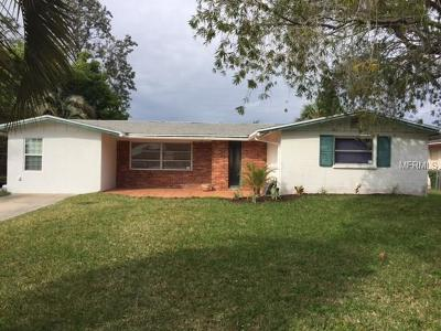 Sarasota Single Family Home For Sale: 3075 Dividing Creek Drive