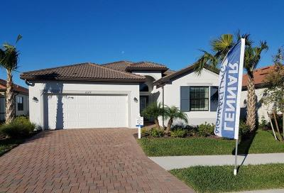 Venice Single Family Home For Sale: 9832 Hilltop Drive