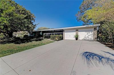 Sarasota Single Family Home For Sale: 2726 Jefferson Circle