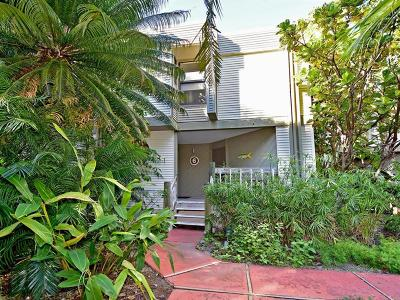 Longboat Key Townhouse For Sale: 3440 Gulf Of Mexico Drive #6