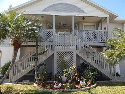 Holmes Beach Single Family Home For Sale: 5708 Holmes Boulevard