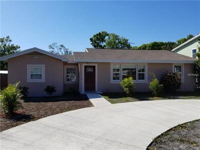 Sarasota Single Family Home For Sale: 2326 Pelican Drive