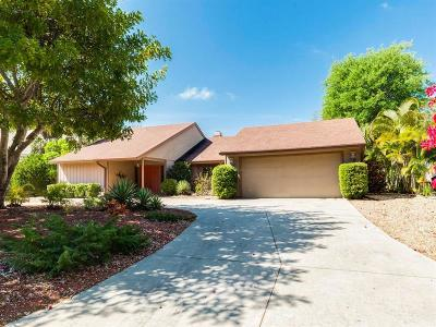 Sarasota Single Family Home For Sale: 695 Tropical Circle