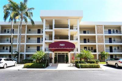 Sarasota Condo For Sale: 7461 W Country Club Drive N #210