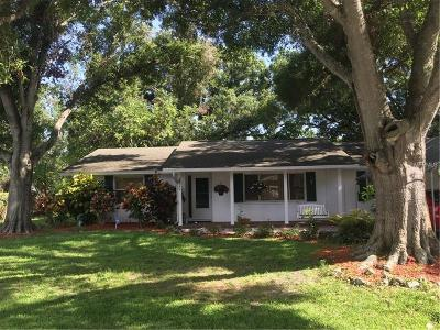 Single Family Home For Sale: 2220 Pine Terrace
