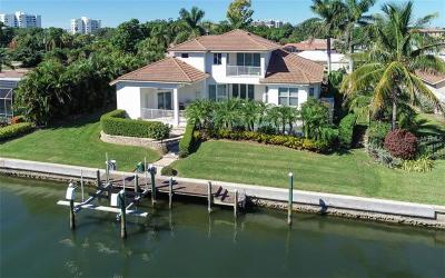 Longboat Key Single Family Home For Sale: 524 Spinnaker Lane