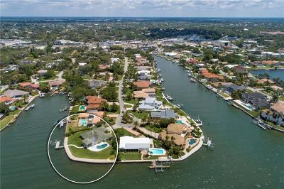 Sarasota Single Family Home For Sale: 7692 Cove Terrace