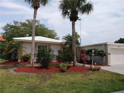 Nokomis Villa For Sale: 303 Dante Drive