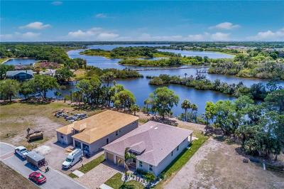 Bradenton Single Family Home For Sale: 5496 56th Court E